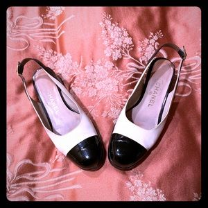 CHANEL slingback low heels, patent leather size 39